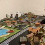 Bygger modeltogbaner som genoptræning